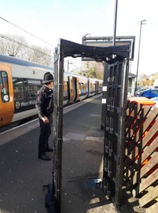 Police take 'knife arch' around Redditch as part of Operation Sceptre